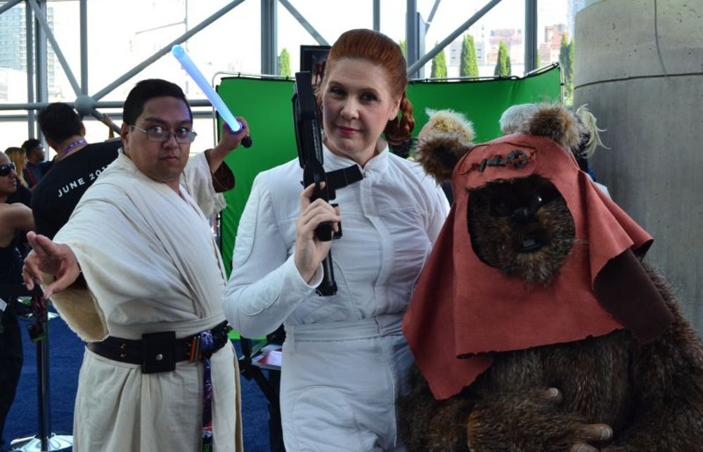 Jedis babysit an Ewok.