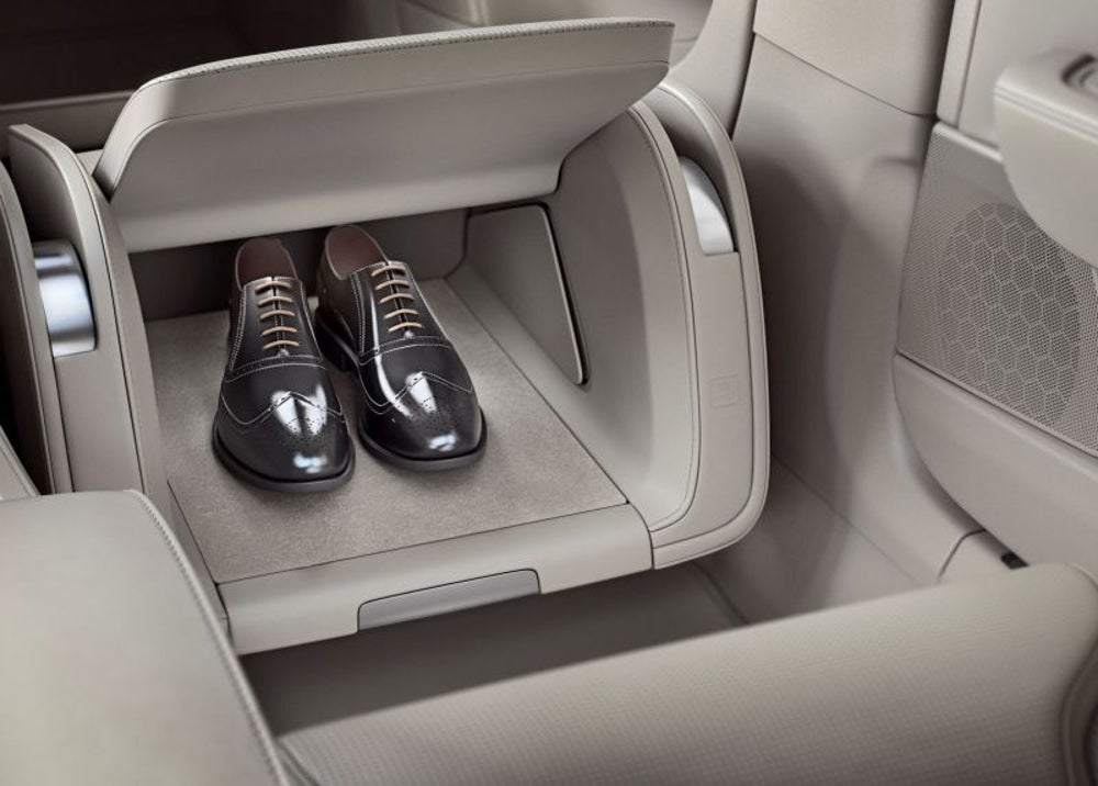 The special storage console makes space for your shoes.