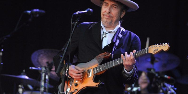 Bob Dylan won a Nobel Prize -- and didn't seem to care.