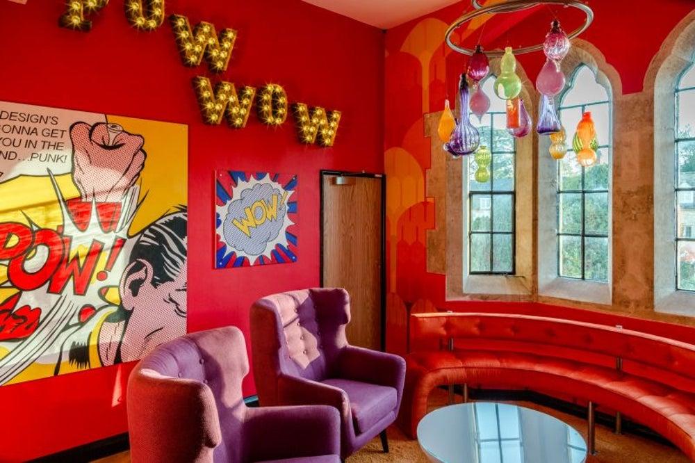 Pow wow room