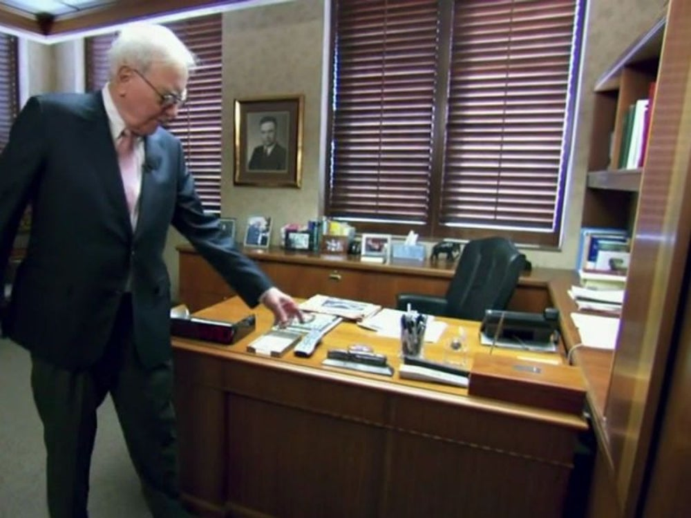 Buffett doesn't keep a computer on his desk, and he chooses to use a flip phone rather than a smartphone.
