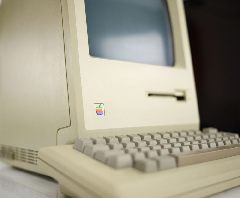 1984: Apple introduces the Macintosh