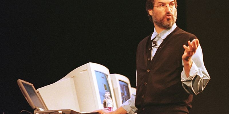 1997: Jobs becomes Apple CEO