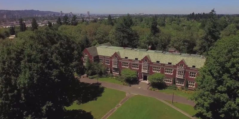 1972: Jobs enrolls in, drops out of Reed College