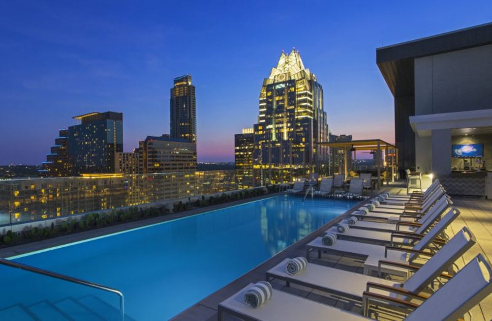 Enjoy Hipster hotel amenities.