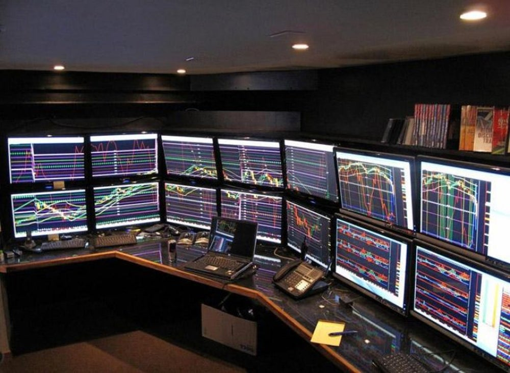 40-Monitor Trading Rig
