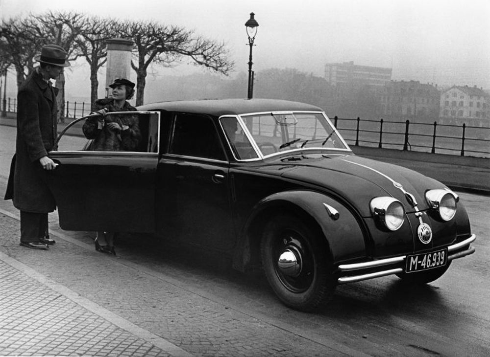 Tatra 77: 1934 to 1935
