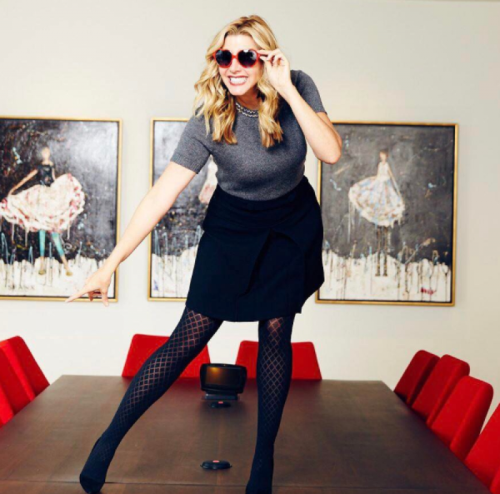 Sara Blakely, @sarablakely