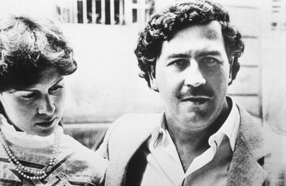 Pablo Escobar bought gifts for people when he wasn't murdering them.