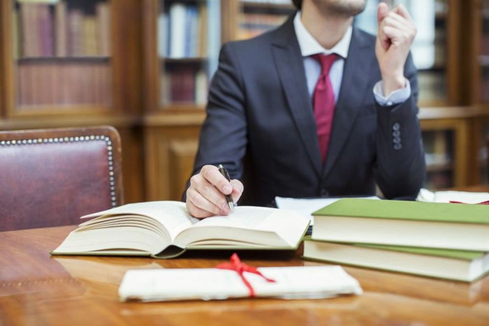 Freelancers in legal services make the most money.