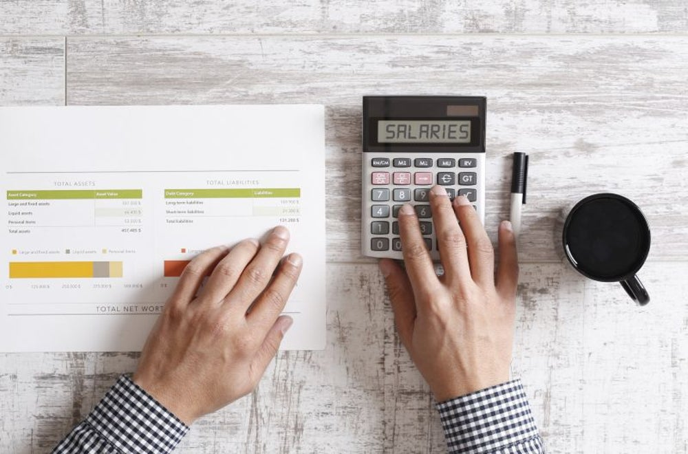 Freelancers make more than average hourly salaried workers.