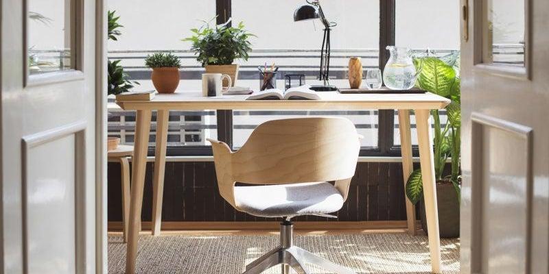 Design an inspiring home office.