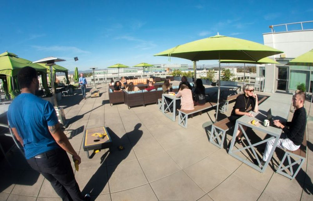 A roofdeck with options for work and relaxation.