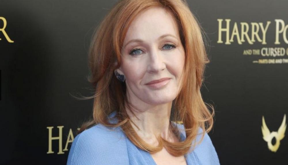J. K. Rowling era una madre soltera viviendo del gobierno mientras escribía Harry Potter