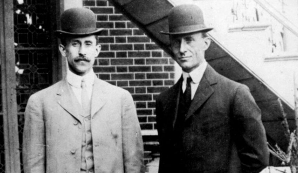 4. Orville y Wilbur Wright: Curtiss - Wright