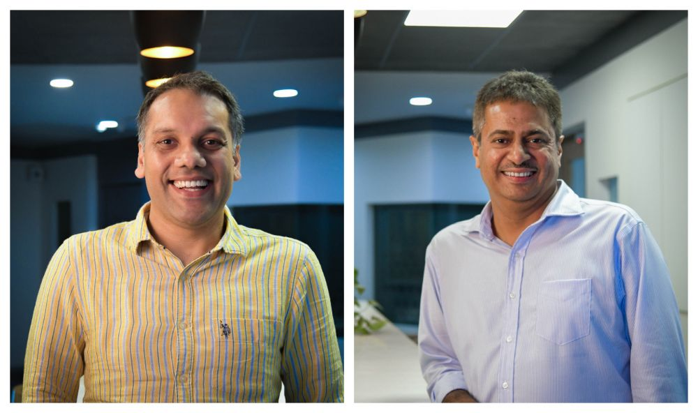 The Texting Tapper-Sunil Thomas and Anand Jain