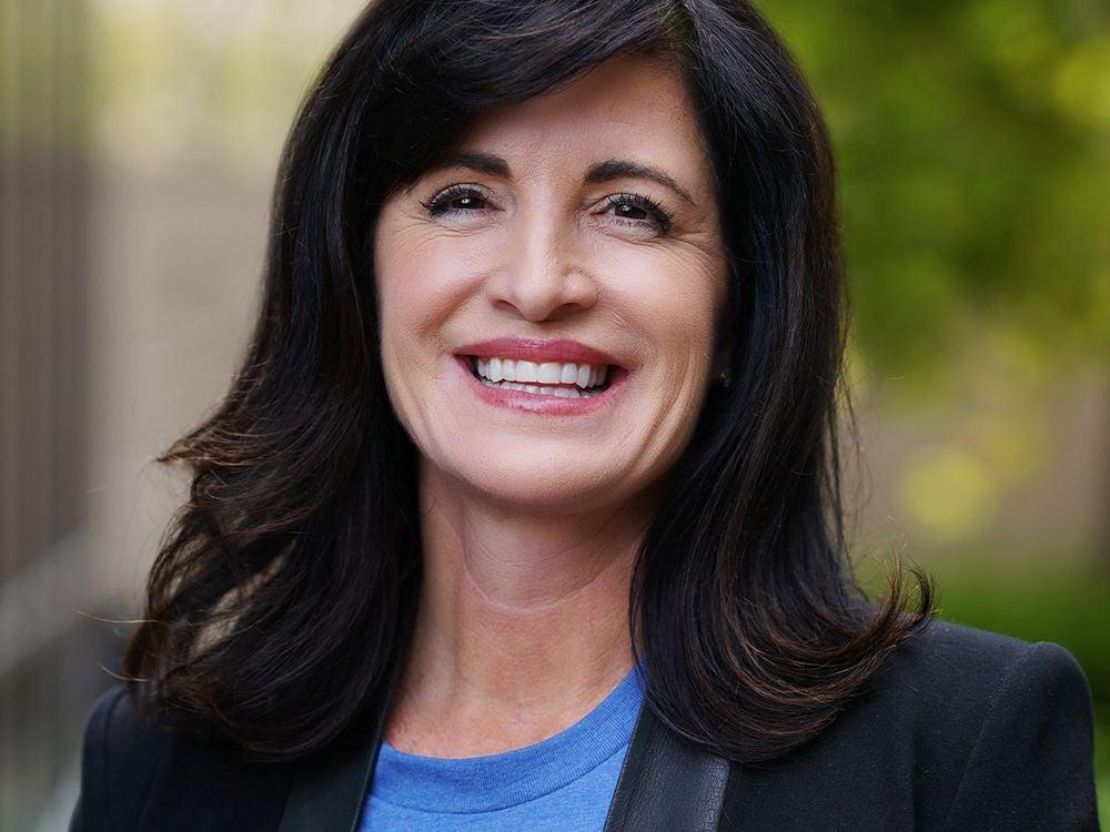 Kelly Steckelberg (Zoom CFO)