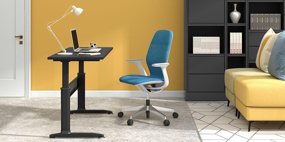 $200 - $300: Devaise Crank Desk