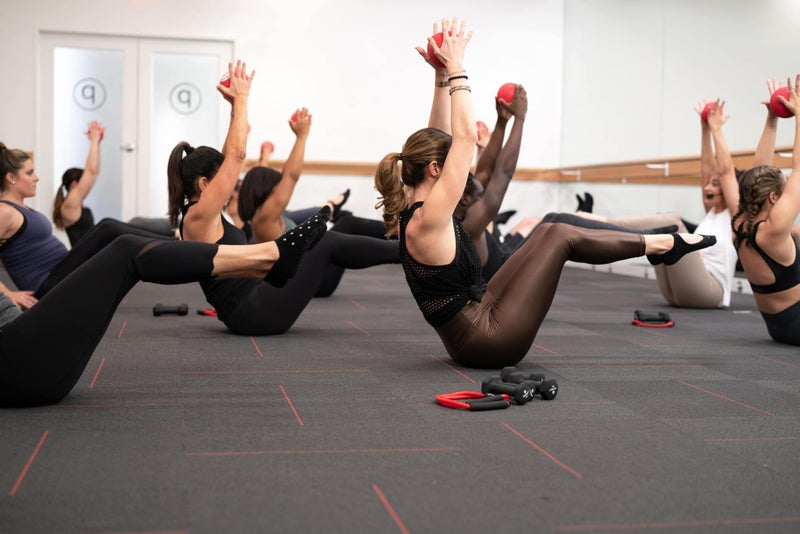Pure Barre - Many people in a barre class