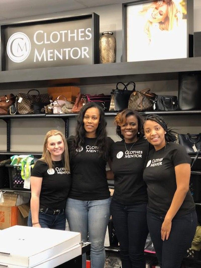 Clothes Mentor Employees